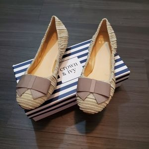 Crown & Ivy Ilene3 Ballet Flat with Bow details